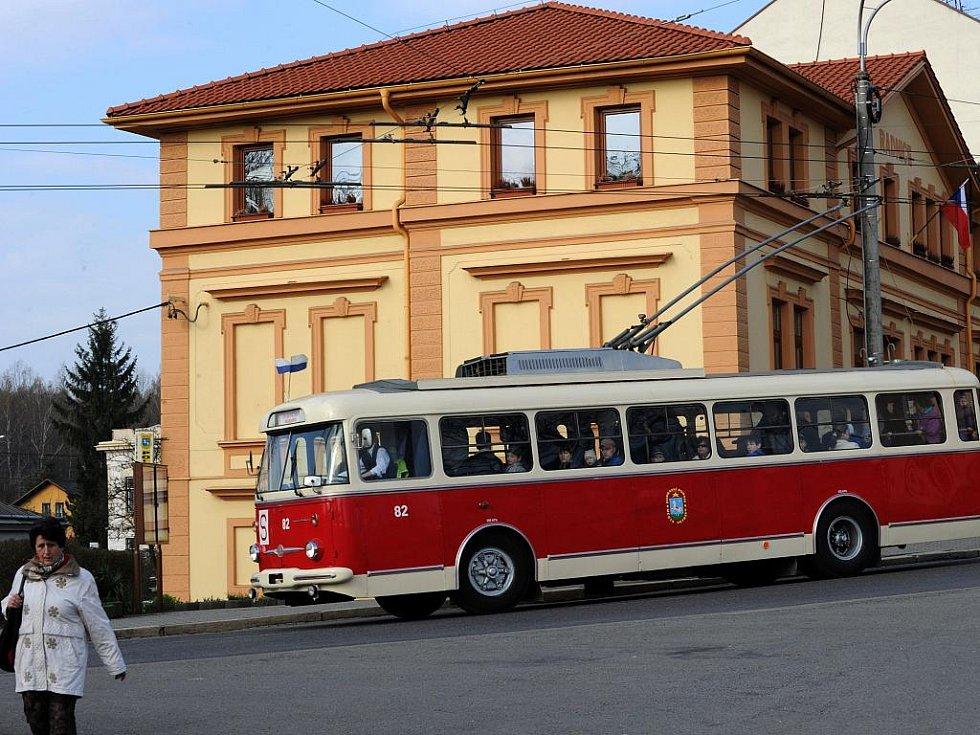 K Dolu Michal se lidé mohli svézt historickým trolejbusem