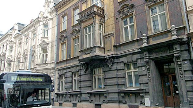 Budova na Sokolské ulici v Ostravě, o kterou je veden dlouholelý spor