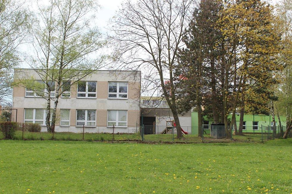 Sportovní areál v Pustkovci.