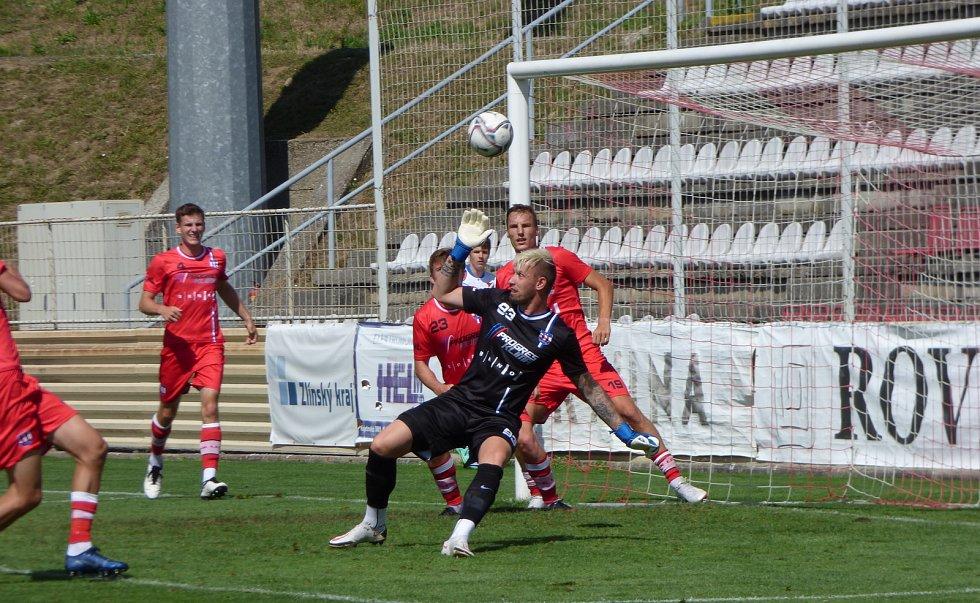 Fotbalisté Baníku Ostrava porazili v předposledním přípravném utkání v Kroměříži druholigovou Líšeň 2:0 (sobota 7. července 2021).