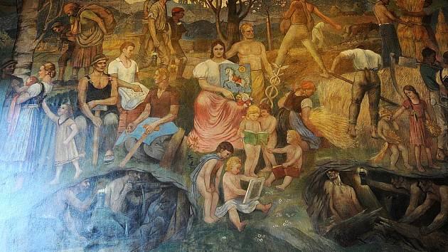 ALEGORIE OSTRAVY. Plátno o rozměrech 4,5 krát 2,8 metru namaloval v roce 1927 šenovský rodák Vilém Wünsche. Dílo od tohoto týdne po mnoha letech znovu visí v restauraci hotelu Brioni ve Stodolní ulici.