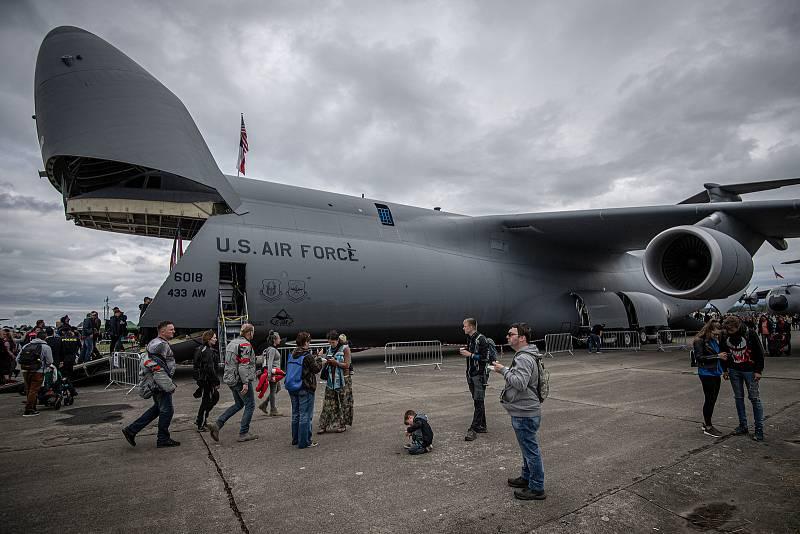 Na letišti v Mošnově na Novojičínsku začaly 18. září 2021 dvoudenní Dny NATO a Dny Vzdušných sil Armády ČR, které jsou největší bezpečnostní přehlídkou v Evropě. letounu C5-M Super Galaxy