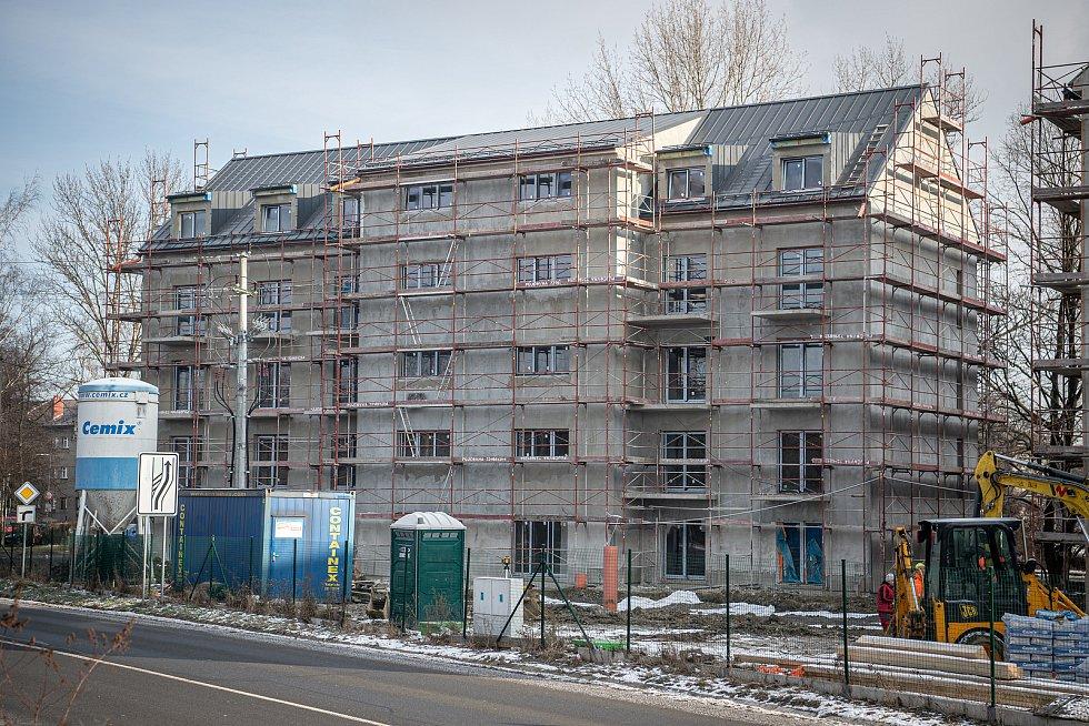Nové rezidenční bydlení v Hrabové roste před očima. Lidé se tam začnou stěhovat před letními prázdninami.