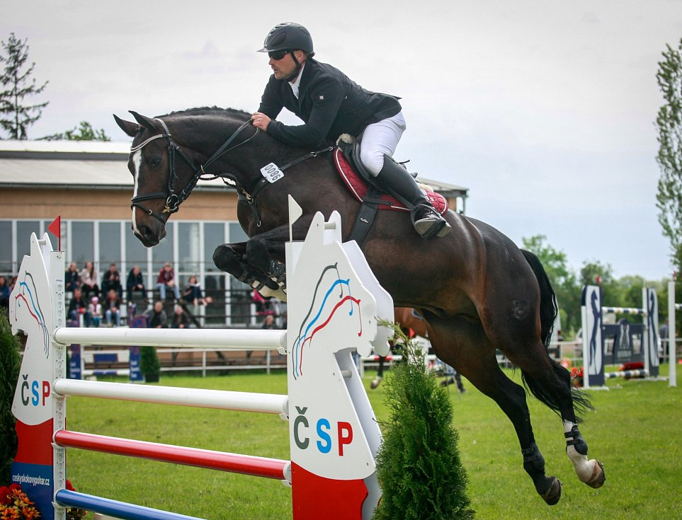 Velká cena Ostravy. Na fotografii jezdec Marek Klus a kůň Crado Von Wichenstein