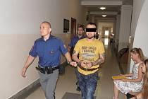 Odvolací soud muži snížil trest na čtyři roky.