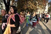 U příležitosti Světového týdne nošení dětí se v Ostravě uskutečnilo už druhé setkání kontaktních rodičů.