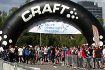Tisíce sportovních nadšenců i davy zvědavců přilákal 54. ročník Craft Ostravského maratonu.