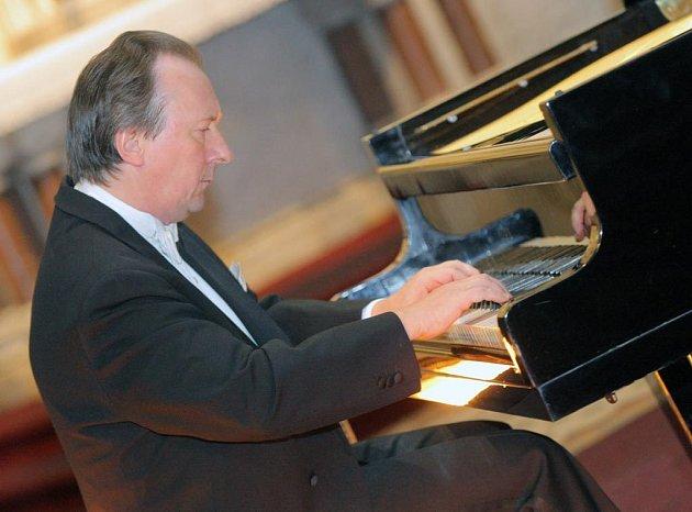 Vladimír Bunin při koncertě v Ostravě