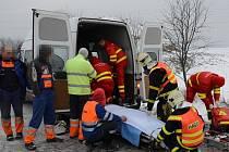 Vážná nehoda, při které byly zraněny dvě děti, u Velké Polomi na Ostravsku.