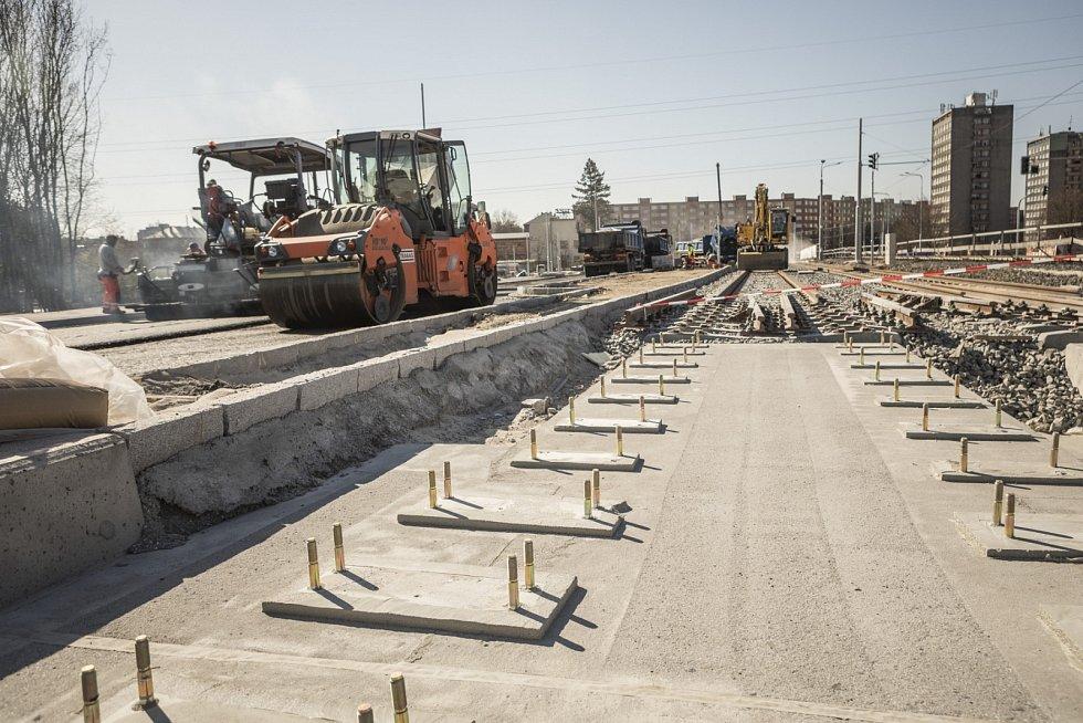 Rekonstrukce na výškovických mostech skončí 15. května.