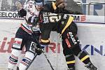 Utkání 52. kola hokejové extraligy: HC Vítkovice Ridera - HC Verva Litvínov, 8. března 2019 v Ostravě. Na snímku (zleva) David Květoň a Ščotka Jan.