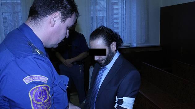 Turek by měl za pobodání Egypťana strávit ve vězení deset let.