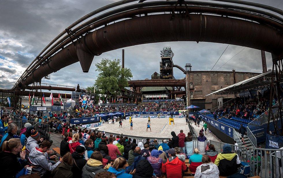 Turnaj Světového okruhu v plážovém volejbalu - zápasy play off, 23. června 2018 v Ostravě.