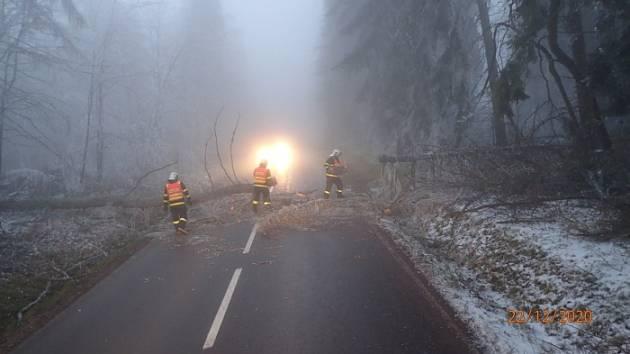 Situace na silnici 445 u Rýmařova, prosinec 2020.