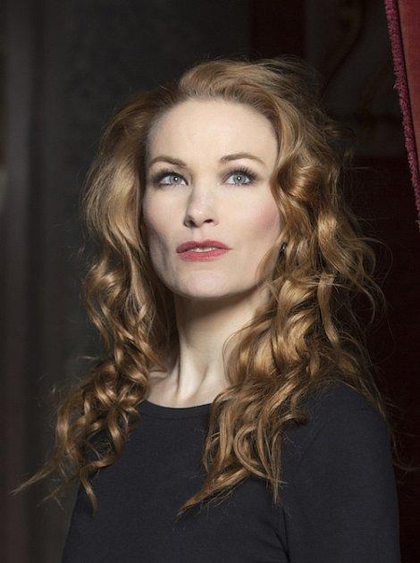 Operní diva Vanda Šípová skvěle zpívá ihraje.