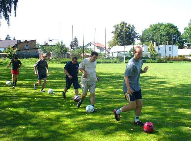 Sportovci z centra Čtyřlístek při tréninku