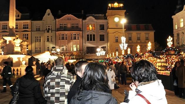 Ilustrační foto. Snímek z akce Česko zpívá koledy na Masarykově náměstí v Ostravě.