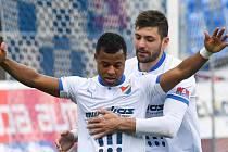 Dyjan Carlos de Azevedo oslavil proměněnou penaltu na 1:1 také s Patrizio Stronatim.