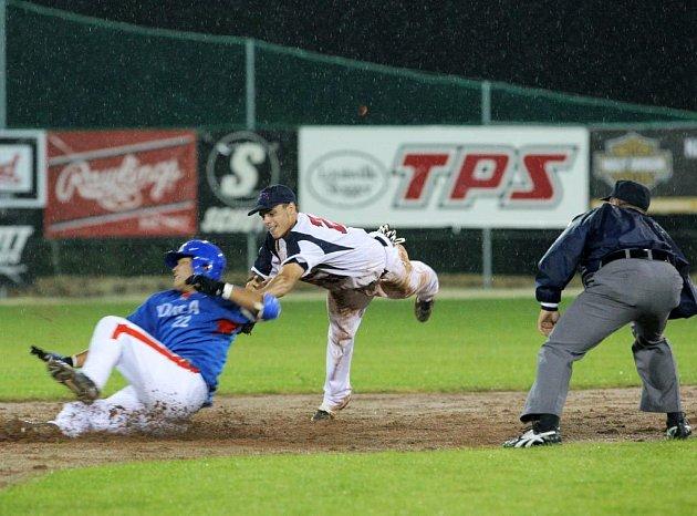 Ze zápasu baseballistů Korei a Česka na akademickém světovém šampionátu