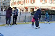 Bruslení v centru Ostravy skončilo. Atmosféra posledních dnů Vánočního kluziště na Masarykově náměstí.