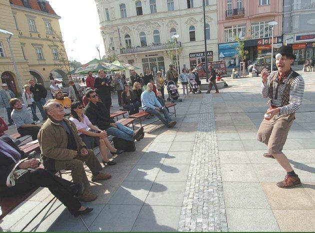 Pouliční divadlo na festivalu Spectaculo Interesse