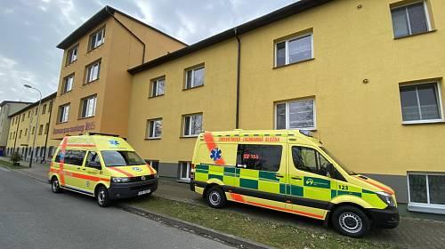 V Domově pro seniory Iris v Ostravě se objevil koronavirus u tamní zaměstnankyně.