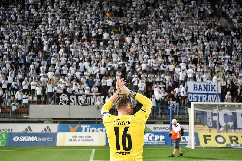 Utkání 8. kola první fotbalové ligy: SK Sigma Olomouc - FC Baník Ostrava 17. září 2021 v Olomouci. brankář Baníku Jan Laštůvka.