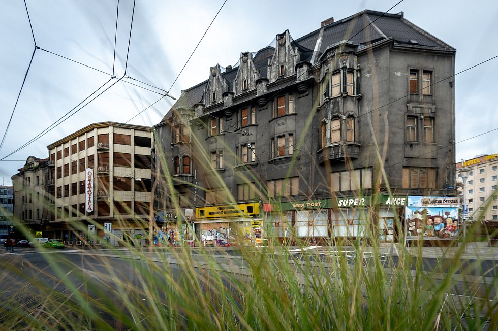 Budova bývalého obchodního domu Ostravica-Textilia.