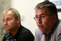 PETR ŠAFARČÍK před startem sezony tvrdil, že Baník patří sportovně i ekonomicky k nejstabilnějším klubům v zemi. Jaká je realita? Po podzimu je Baník se čtyřmi body beznadějně poslední. Horší výsledky měla v historii ligy jen Dukla.