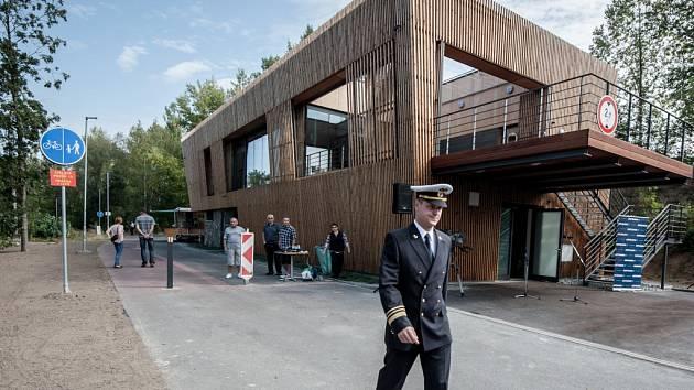 Ilustrační foto. Slavnostní otevření loděnice na břehu Ostravice začátkem září 2015.