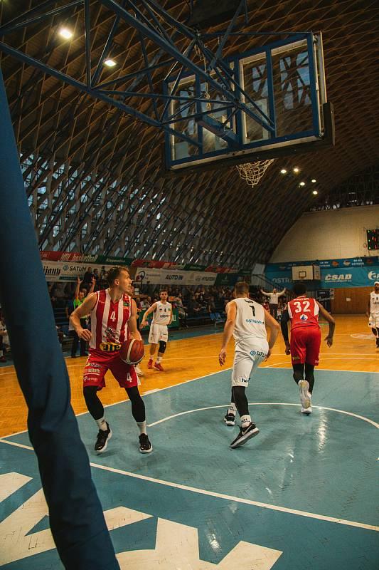 NH Ostrava - BK Pardubice 78:85 (3. kolo ligy, 25. 9. 2021).