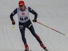 RVAL SE. Lukáš Bauer se pokoušel prorazit mezi sprintery, jeho snažení však skončilo v kvalifikaci. O nic lépe si nevedl ani mezi biatlonisty. Laserovou puškou trefil jediný z pěti terčů. Po závodě ale bral vše s humorem a nadhledem.