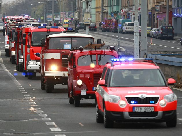 Kolona historických hasičských vozidel projede Třebíčskem