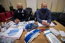 Odboráři se připravují na demonstraci, 29. zaří 2020 v Ostravě.