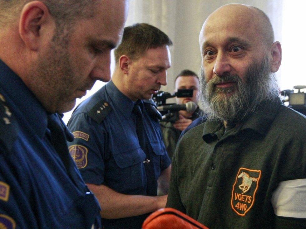 Soud v Ostravě začal řešit sérii brutálních zločinů. Některé jsou staré i více než dvacet let. Na snímku Miloslav Doležel.