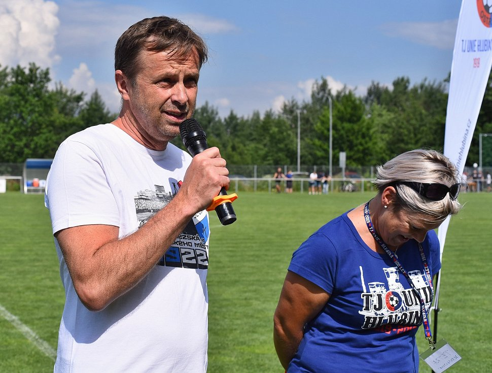 Fotbalisté Hlubiny se v rámci oslav otevření nové tribuny utkali s rezervou ostravského Baníku. Favorizovaní hosté vyhráli 3:1. Utkání byl přítomen také majitel Baníku Ostrava Václav Brabec.