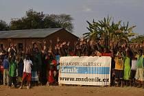 Skupina lékařů z našeho kraje pomáhá již několik let v africké Malawi. A Deník o tom pravidelně informuje.