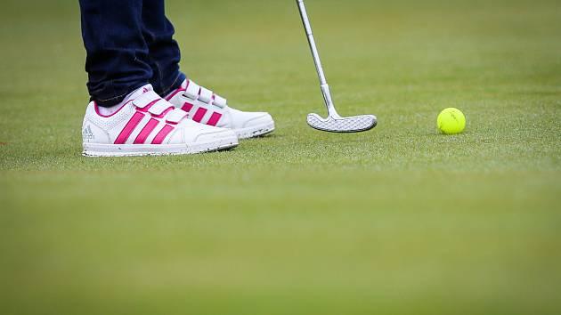 Zahájení golfové sezóny v Golf Park Lhotka.