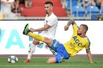 Utkání 3. kola první fotbalové ligy: FC Baník Ostrava - FK Teplice, 26. července 2019 v Ostravě. Na snímku (zleva) Josef Celba a Jakub Hora.