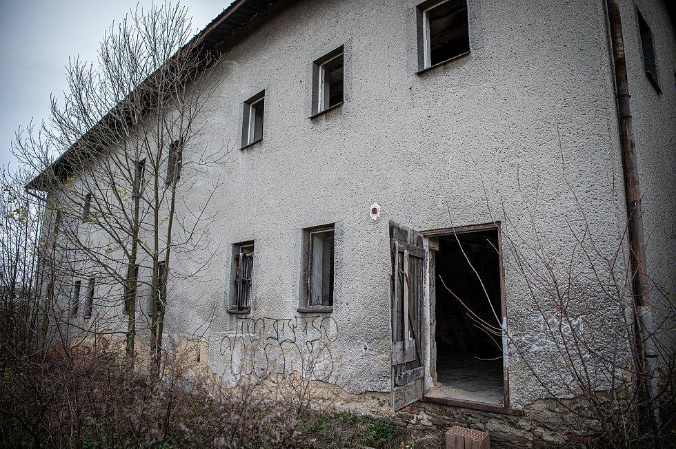 Bývalý zámek v Polance nad Odrou, listopad 2020.