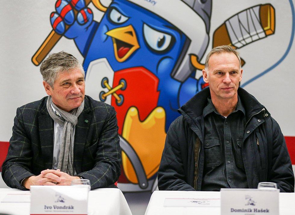 Tisková konference k Mistrovství světa v para hokeji 18. ledna 2019 v Ostravě. Na snímku zleva Ivo Vondrák hejtman Moravskoslezského kraje a Dominik Hašek ambasador MS.