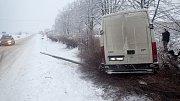 Dopravní nehoda, středa 1. února, Velká Polom.