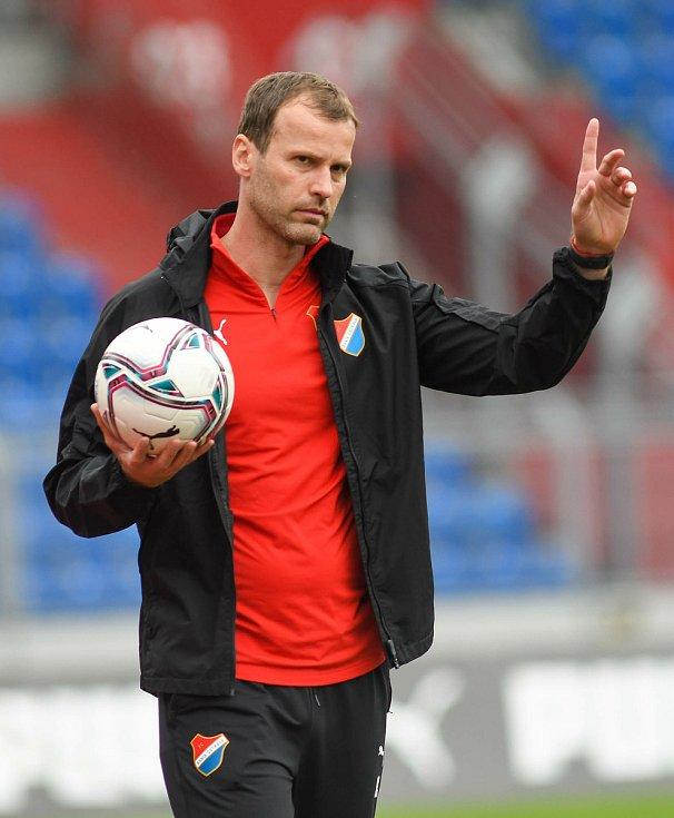 Trenér Baníku Ostrava Ondřej Smetana.