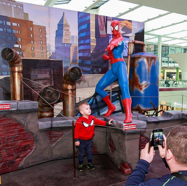 Interaktivní instalace superhrdinů s názvem AVENGERS se vůbec poprvé představuje v České republice a k vidění bude až do 3. dubna.