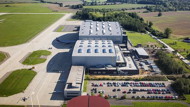 Na letišti Leoše Janáčka byl otevřen nový opravárenský hangár.