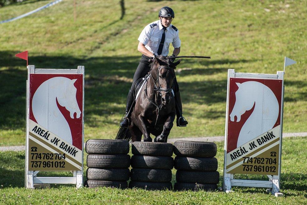 O setkání jízdních policií byl mezi veřejnosti velký zájem. Jezdci soutěžili ve třech disciplínách. Prim hráli domácí ostravští strážníci.