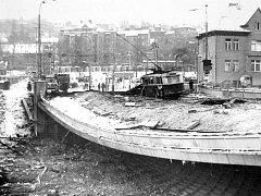 V listopadu 1976 došlo v Ostravě k mohutné explozi plynu unikajícího z potrubí, která zcela zdemolovala a zničila důležitý most přes Ostravici. Jeden člověk zahynul, dvanáct bylo zraněno.