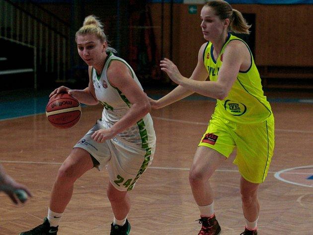 UDÁLOST. I když USK Praha v neděli doma podlehly 43:85, utkat se s českými mistryněmi a vítězkami Euroligy 2015 byl pro mladý tým SBŠ Ostrava basketbalový svátek.