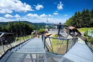 Od 1. srpna 2017 je v provozu nová stanice lanovky na Pustevnách. Byla postavená podle návrhu kopřivnického architekta Kamila Mrvy.