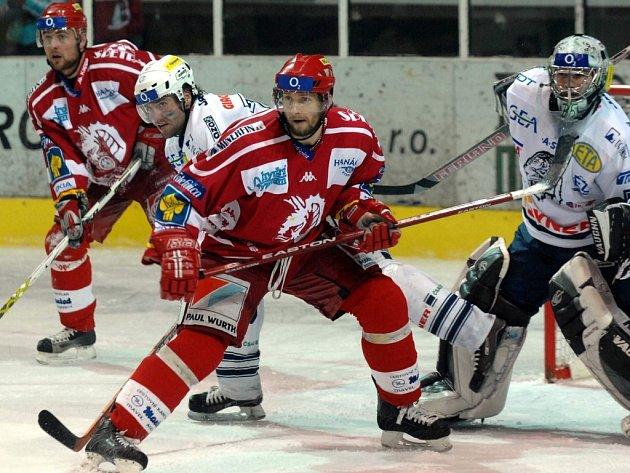 Juraj Štefanka (v červeném)